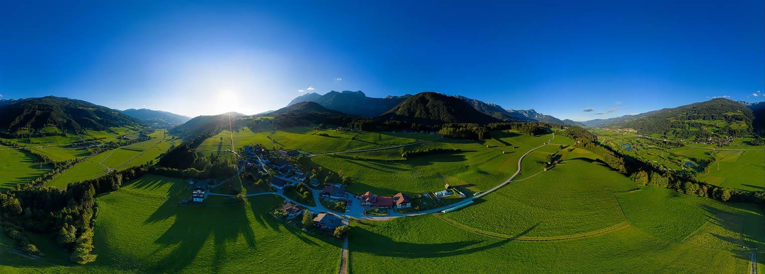 Goldene Stunde über Haus/Birnberg, Luftpanorama von Lothar Scherer, Fotograf, Schladming
