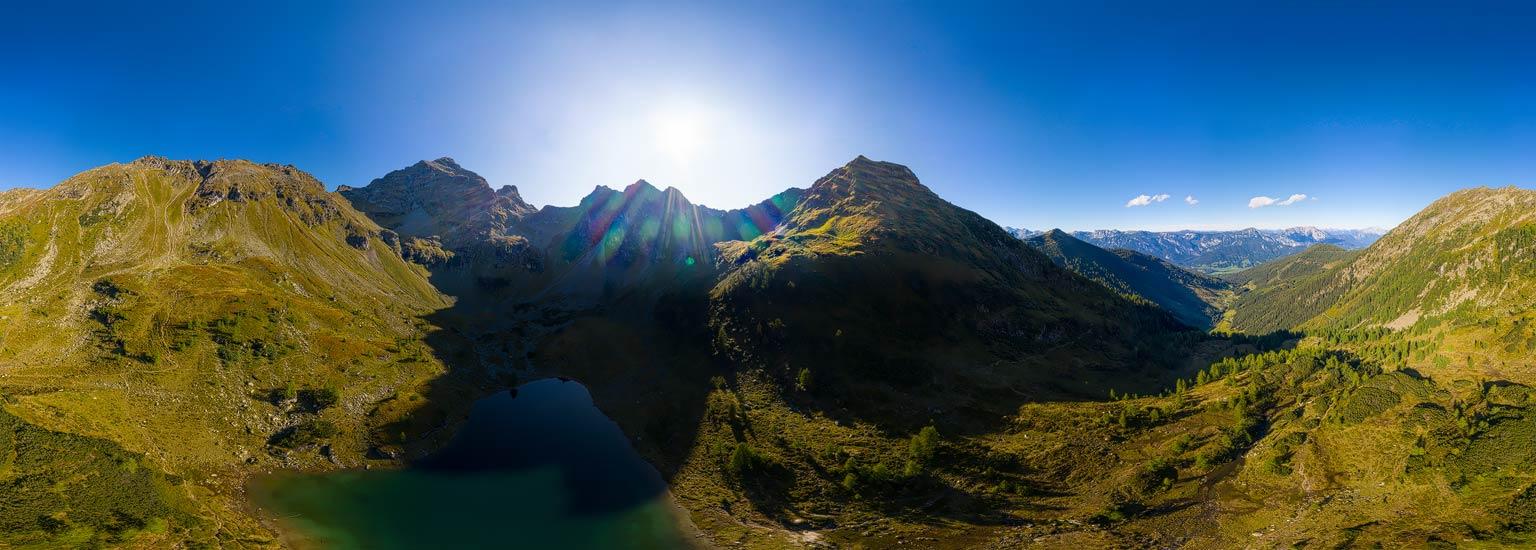 Am Moaralmsee, Panoramafotografie von Lothar Scherer Schladming
